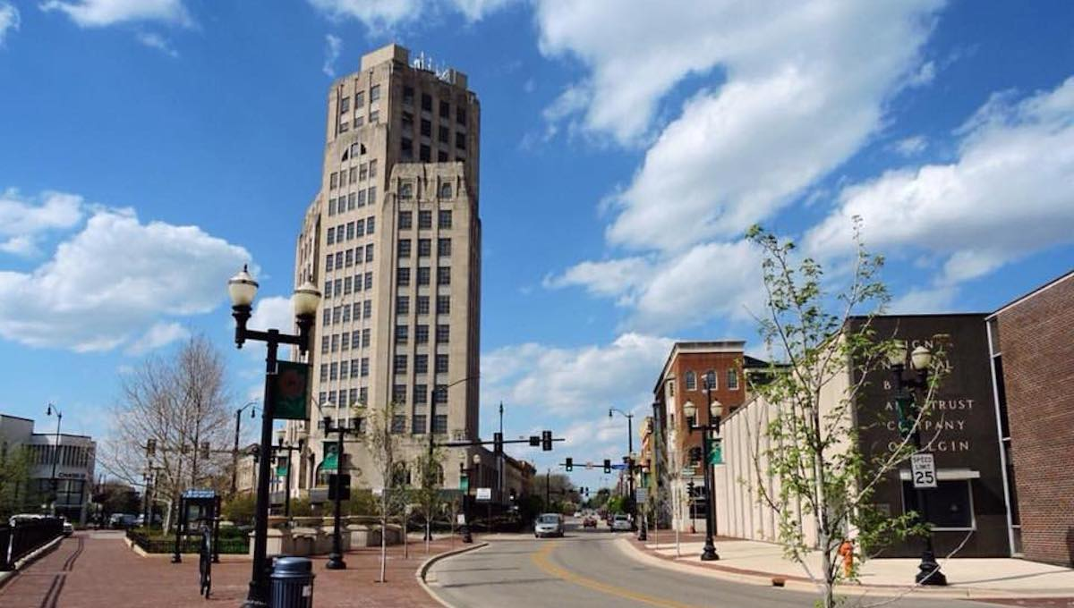 Explore Downtown Elgin